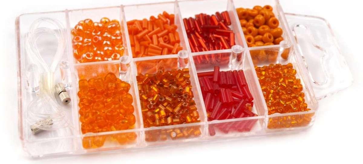 Sada korálků a komponentů v plastovém boxu - výběr variant ostatní